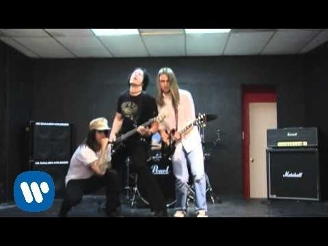 Red Hot Chili Peppers – Tell Me Baby [Official Music Video]