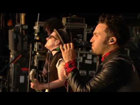 Fall Out Boy – Reading Festival (2013) (HQ, not HD)